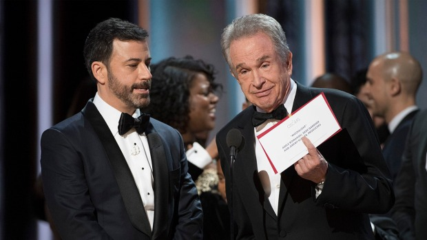 jimmy_kimmel_warren_beatty_best_picture_card.jpg